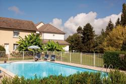 Logis Hôtel du Pont Neuf, 2 rue du Faubourg de Lorette, 03320, Le Veurdre