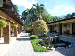 Hotel Las Espuelas, Bar & Restaurant, 2 km sur del Cruze de Liberia en la Panamericana, 00000, Liberia