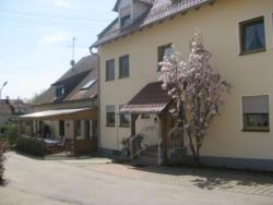Ferienhof Stark, Dorfring 11, 93309, Kelheim
