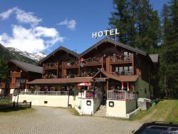Hotel Alpenhof, Dorfstrasse, 3999, Oberwald