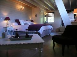 La Maison sur les Nuages, 940 route bande village, 73360, Saint-Christophe