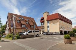 Hotel Hirsch, Hindenburgstr.1, 71229, Leonberg