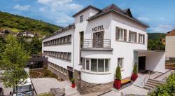 Hotel Im Schulhaus, Schwalbacher Str. 41a, 65391, Lorch am Rhein