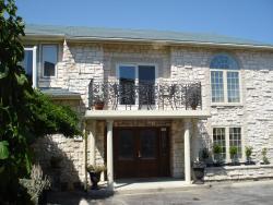 Grey Rose Suites, 394 Tenth Street, N4N 1P6, Hanover
