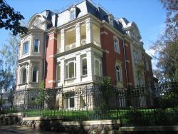 Villa Vier Jahreszeiten, Gabelsberger Straße 12, 08451, Crimmitschau