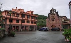 Hotel Restaurante Casa Pipo, Plaza General Riego, 26, 33876, Tuña