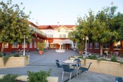 Hotel Mitra, Avenida Fuente de las Piedras, s/n, 14940, Cabra