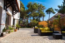 Host & Vinum - Le Clos des Pins, 34 Avenue du Roussillon, 66140, Canet-en-Roussillon
