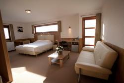 Hotel Chamdor, Robaardstraat 10, 8800, 鲁瑟拉勒