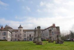 Château de Chantelauze, 38 route du Brugeron, 63880, Olliergues
