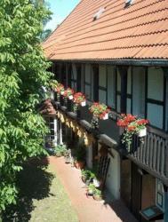 Hotel garni & Oma's Heuhotel 'Pension zur Galerie', Breite Straße 30, 39249, Barby