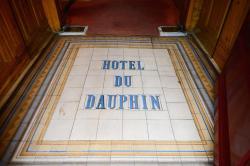 Hotel Du Dauphin, Place De La Halle, 61300, L'Aigle