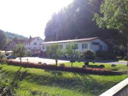 Landgasthof Zum Heiligenberg, Heiligenberg 11, 36205, Sontra