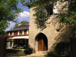 Chambre d'Hôtes-Tour de Garde XIVe, Guillebonde, 24120, Terrasson
