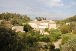 Gîtes Les Jardins Du Mas Evesque, 176 route de Saint Ambroix, 30340, Rousson