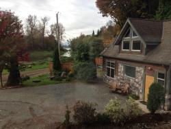 Eagle Tree Lodge Cottage Suite and Heron Suite, 5908 Cutler Road , V0M 1A4, Agassiz