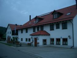 Gasthaus Pension Zum Linka, Hauptstr. 1, 92366, Hohenfels