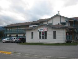 Hi Rock Inn, 2 Chauncey Street, V0B 1H0, Elkford