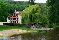 Hotel de La Plage, 2 promenade de la Plage, 86300, Saint-Martin-la-Rivière