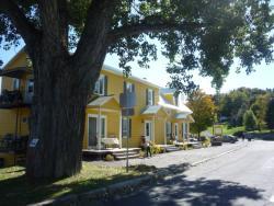 Maison Carpe Diem, 2514 Commerciale Sud, G0L 1X0, Notre-Dame-du-Lac