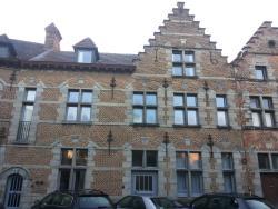Apart'hotel Le Dix, Place de Nedonchel 10, 7500, Tournai