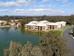 Lakeside Holiday Apartments, 1 Lakes Crescent, 6208, South Yunderup