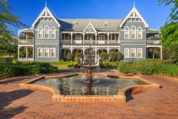 The Convent Hunter Valley Resort, 88 Halls Road, 2320, Поколбин