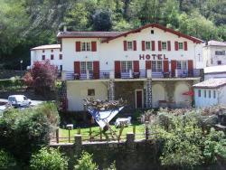 Hotel Le Clementenia, le bourg D933, 64220, Arnéguy