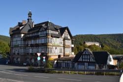 Hotel Weißer Hirsch, Friedrich-Ebert-Platz 13-15, 07427, Schwarzburg