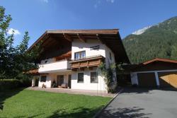 Ferienwohnungen Christine, Grünwaldweg 12a, 6384, Waidring