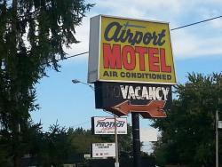 Airport Motel, 3775 Walker Road, N8W 3S9, Windsor