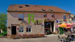 Relais Du Lac, 8, Place Jean Robinet, 52190, Villegusien Le Lac