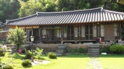Goseong Choi, Pilgan`s Old House, 55, Hakdongdolundam-gil, Hail-myeon, 638-922, Goseong