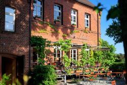 Alte Schule Restaurant & Hotel, Kolpiner Str. 2, 15526, Reichenwalde