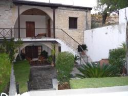 Dia's House, 68 Apostolou Filippou, 4770, Arsos