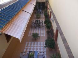 Hostal Monteolivos, Orión,72, 29570, Cártama