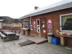 Lee's Corner Cabins, 6385 Hwy 20, V0l 1K0, Hanceville
