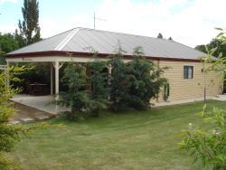 Gumtrees Cottage, 9 Bridge Street, 7209, Ross