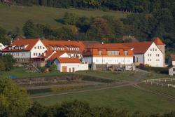 Hotelový a jezdecký areál Dvůr Krutěnice, Krutěnice 3, 342 01, Krutěnice