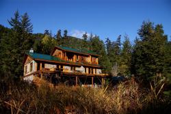 Great Bear Chalet, 8080 Mackenzie Highway, V0T 1H0, Stuie