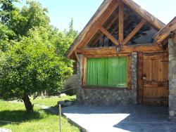 Hostel y Cabañas Pehuenia, Azcuénaga 140, R8430CKD, El Bolsón