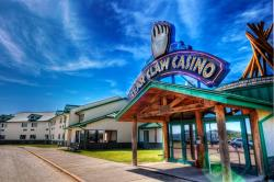 Bear Claw Casino & Hotel, White Bear First Nations, 13 km north of Carlyle on Highway 9, S0C 0R0, Kenosee Park