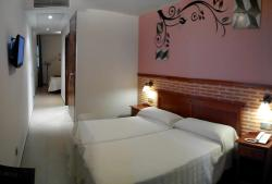 Hotel Toral, Cervantes, 44, 13730, Santa Cruz de Mudela