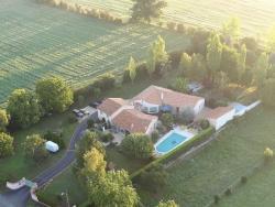 Chambres d'hôtes Les Fuyes, 50 route de Malécot, 79510, Coulon