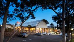 Shoppingtown Hotel, 19 Williamsons Rd, 3108, Doncaster