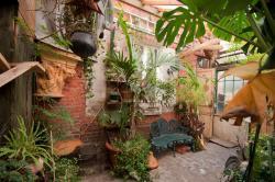 Chez Bernard, 35 rue Robespierre, 93100, Montreuil