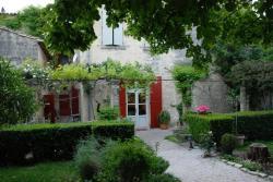 Le Richelieu, 15 rue de la Petite Bourgade, 30700, Uzès
