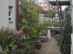 Hotel-Restaurant Weinhaus Steppe, Neubrunnenschlag 18, 76337, Waldbronn