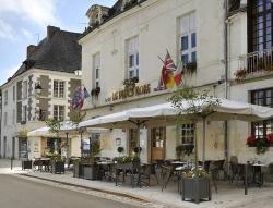 Logis Le Puits Doré, 24 Place du Marché, 37120, Richelieu