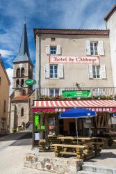 Hotel De L'Abbaye, 15 Place du 8 mai, 63490, Sauxillanges